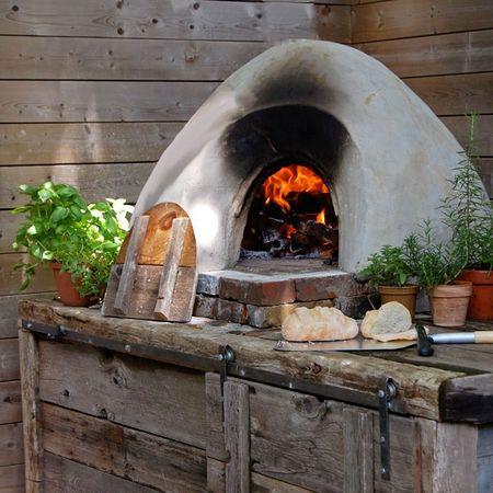 Poze Seminee, gratare - Cuptor de gradina pentru pizza, paine sau alte bunataturi realizat din lut, nisip si paie