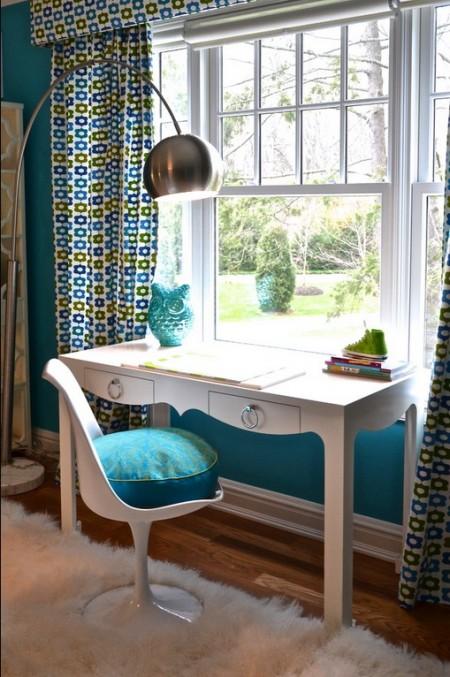 Poze Birou si biblioteca - Masuta chic si un scaun comod pentru biroul de acasa