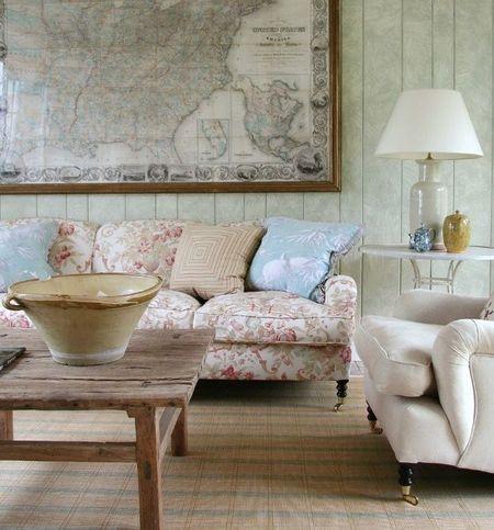 Poze Living - O harta veche, solutia de decorarea a unui perete gol