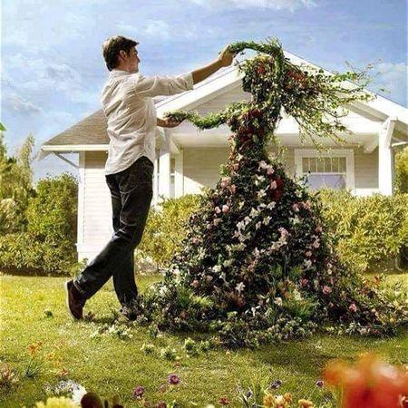 Poze Gradina de flori - Gradinarit si arta - femeie dansand
