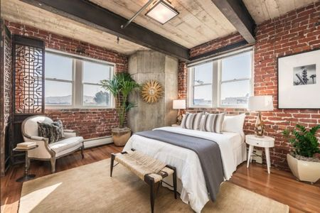 Poze Dormitor - Accente industriale in dormitorul unui apartament amenajat intr-o veche fabrica de bere
