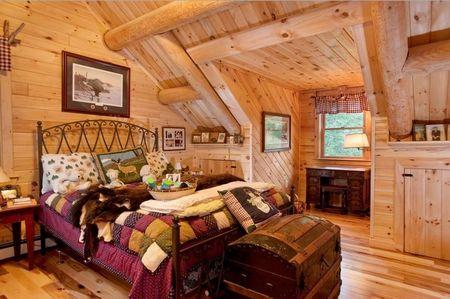 Poze Case lemn - Dormitorul unei case construita din busteni