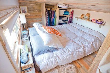 Poze Dormitor - Dormitor matrimonial intr-o mica casa pe roti
