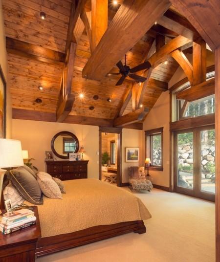 Poze Dormitor - Dormitor clasic intr-o casa din lemn masiv