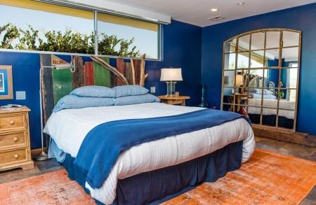 Poze Dormitor - Materiale refolosite in decorarea unui dormitor pe malul marii
