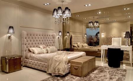Poze Dormitor - Volumele spectaculoase, tapiseriile elegante, insertiile de oglinda - transforma acest dormitor intr-un spatiu unic, exclusivist
