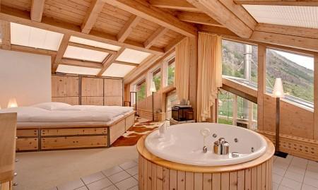 Poze Dormitor - Dormitor matrimonial casa de vacanta din lemn