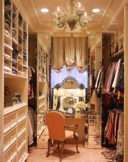 Poze Dressing - Un luxos dressing feminin