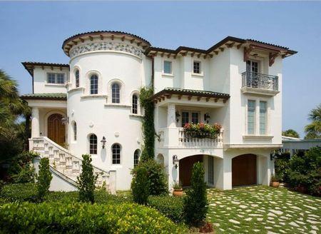 Poze Fatade - Casa stil meditereanean cu fatada alba