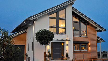 Poze Fatade - Case arhitectura moderna, cu mansarda si garaj atasat