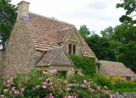 Poze Fatade - Casa in stilul cottage construita din piatra de calcar