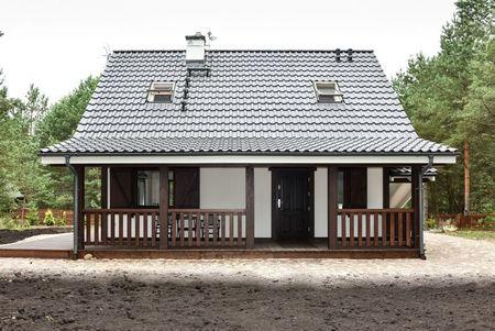Poze Terasa - fatada-casa-traditionala-terasa-lemn-2.jpg