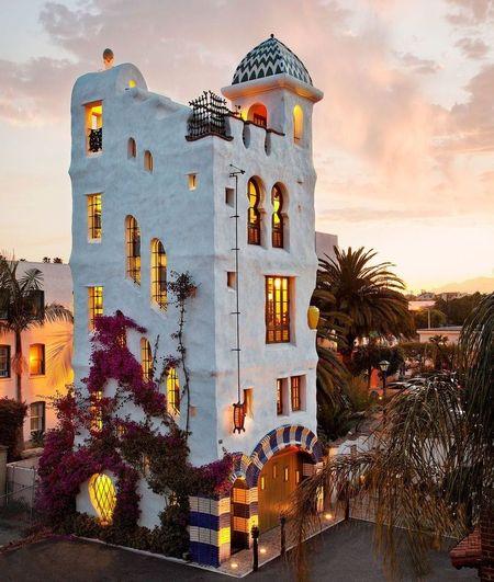 Poze Fatade - Casa turn in stil mediteranean