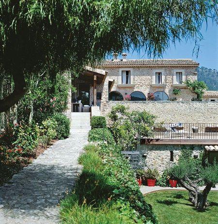 Poze Fatade - fatada-piatra-casa-veche-renovata.jpg