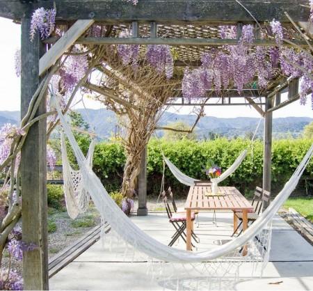 Poze Pergola - Hamacurile te imbie sa petreci clipe lungi de relaxare sub aceasta pergola din lemn antichizat