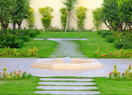 Poze Gradina de flori - Clasic si modern intr-o gradina superba