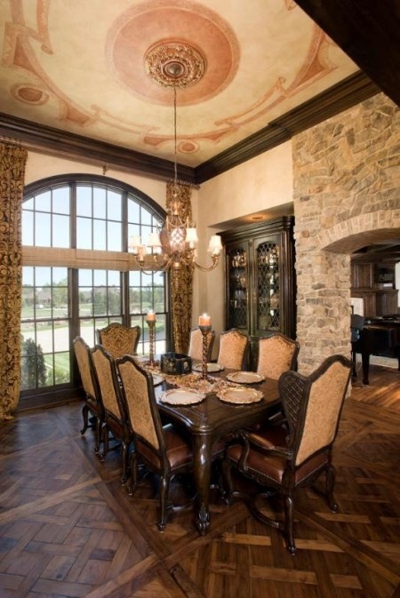 Poze Sufragerie - Decor somptuos, demn de sufrageria unui castel