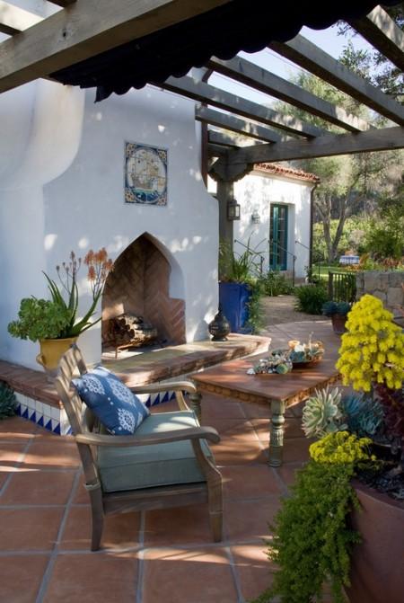Poze Seminee, gratare gradina - Semineu exterior pentru o terasa mediteraneana