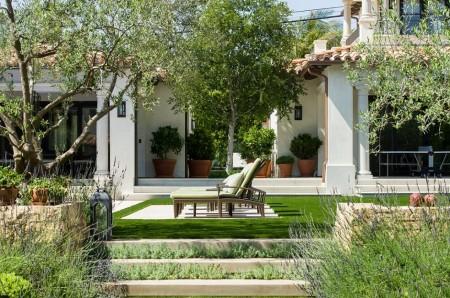Poze Gradina de flori - Amenajare gradina intr-un stil mediteranean modern