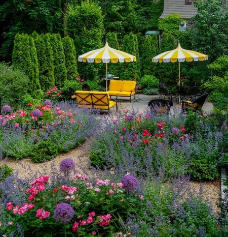 Poze Gradina de flori - O amenajare exterioara superba