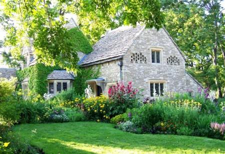 Poze Gradina de flori - Gradina incantatoare a unei case in stil cottage
