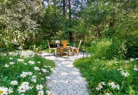 Poze Gradina de flori - Un minunat loc de picnic in mijlocul naturii