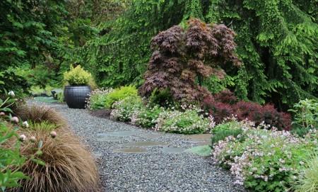 Poze Gradina de flori - Gradina rustica cu specific montan