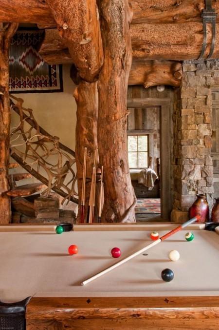 Poze Case lemn - Amenajare zona de divertisment intr-o casa rustica