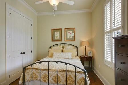 Poze Dormitor - Dormitor mic dar foarte cald si primitor