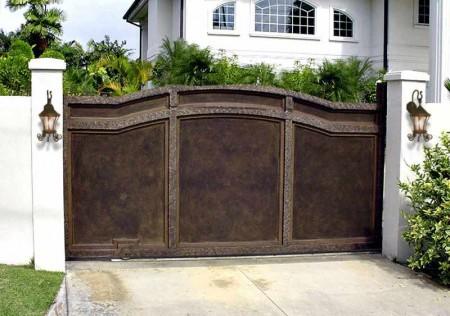 Poze Garduri si porti - Poarta culisanta din tabla si fier forjat antichizat