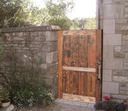 Poze Garduri si porti - Gard din blocuri de piatra naturala