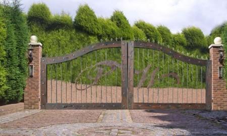 Poze Garduri si porti - Poarta personalizata din lemn si fier forjat