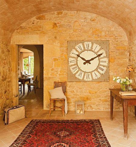 Poze Intrare si hol - hol-piatra-casa-stil-mediteranean.jpg