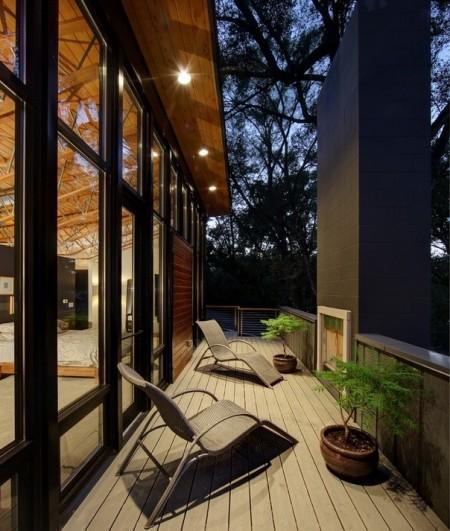 Poze Balcon - O seara relaxanta intr-un balcon modern