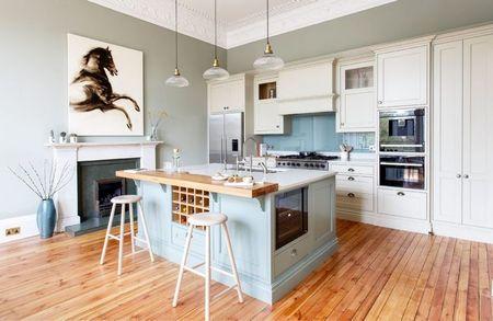Poze Bucatarie - Albastru pentru o atmosfera relaxanta in aceasta bucatarie eclectica
