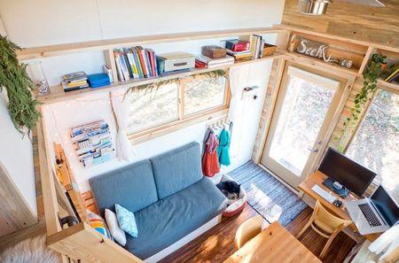 Poze Living - interior-casa-mica-roti-2.jpg