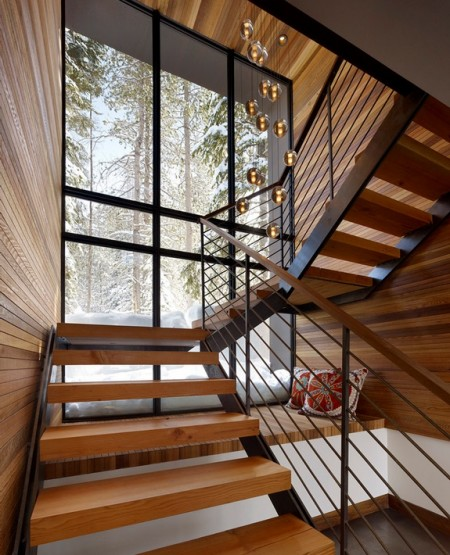 Poze Scari - Scara moderna intr-o casa de vacanta din lemn