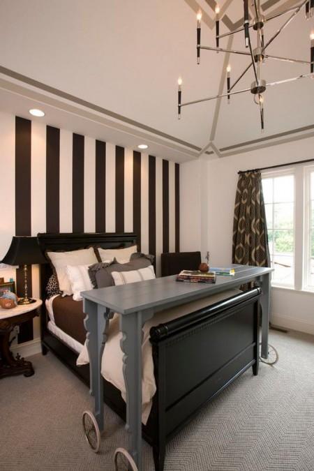 Poze Dormitor - Masa mobila pentru micul dejun in pat
