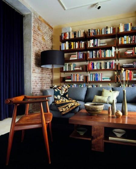 Poze Birou si biblioteca - Aspect industrial in biblioteca