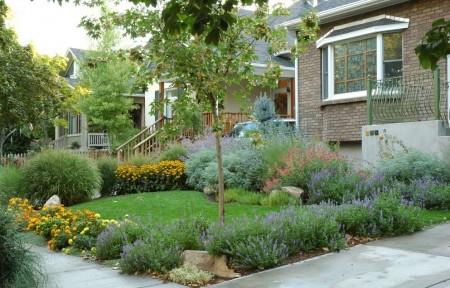 Poze Gradina de flori - Inspiratie pentru gradina din fata casei