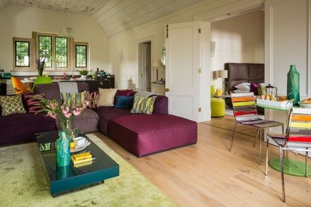 Poze Living - Design modern si culori vii in livingul unei case de vacanta