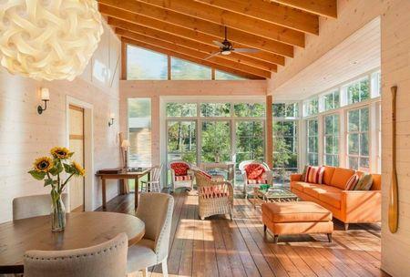 Poze Terasa - O fermecatoare terasa inchisa din lemn si sticla
