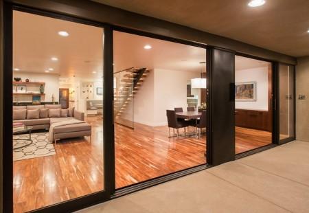 Poze Living - Spatiile vitrate ample, definitorii pentru o locuinta moderna