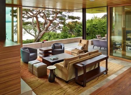 Poze Living - Sistemul culisant de usi permite transformarea livingului intr-o terasa
