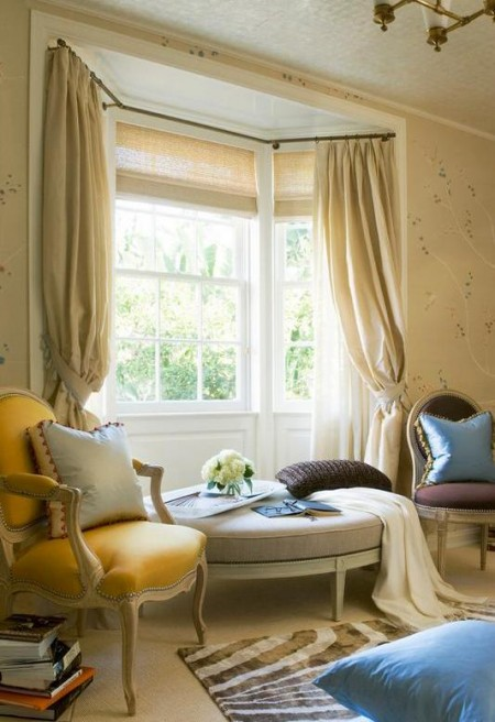 Poze Living - Bovindou decorat clasic