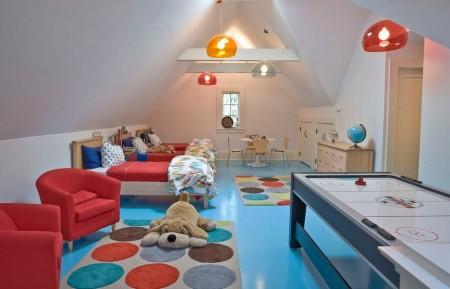Poze Copii si tineret - Camera copiilor la mansarda