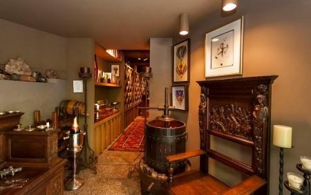 Poze Crama si pivnita - Crama cu instrumentar de vinificatie