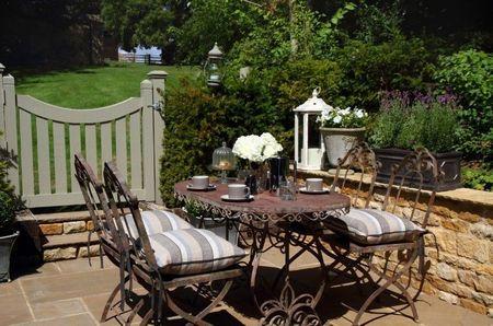 Poze Terasa - Fierul forjat, o optiune eleganta si durabila pentru mobilierul de terasa