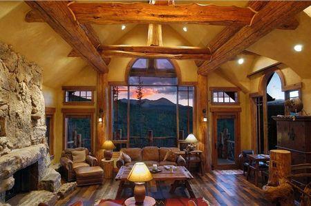 Poze Living - Panorama superba din livingul unei case montane
