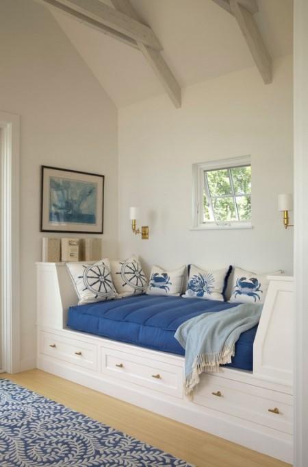 Poze Living - O canapea-pat realizata la comanda umple perfect spatiul in acest interior decorat cu motive marine